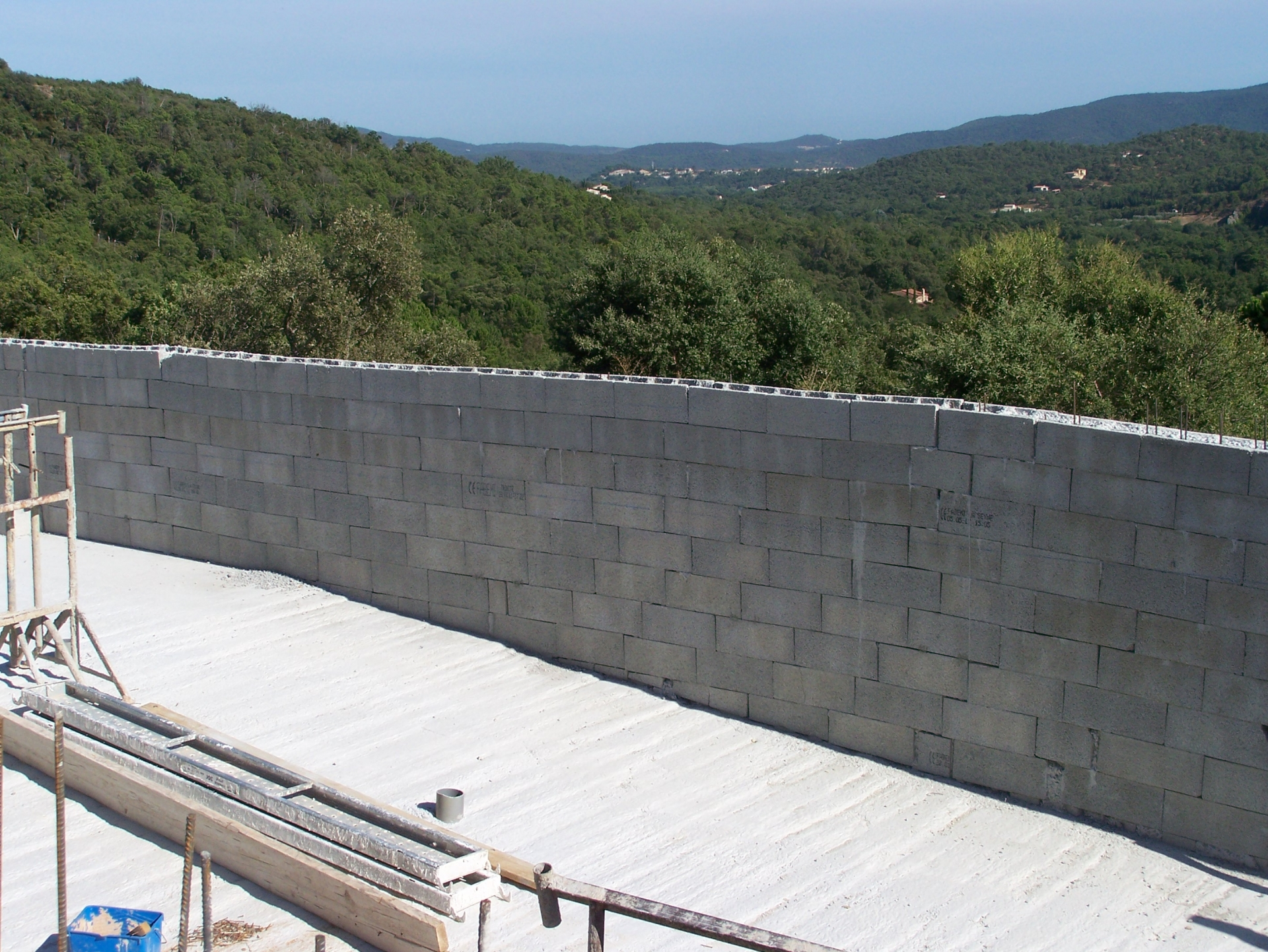 R alisations celentano maconnerie construction gros for Construction piscine 56