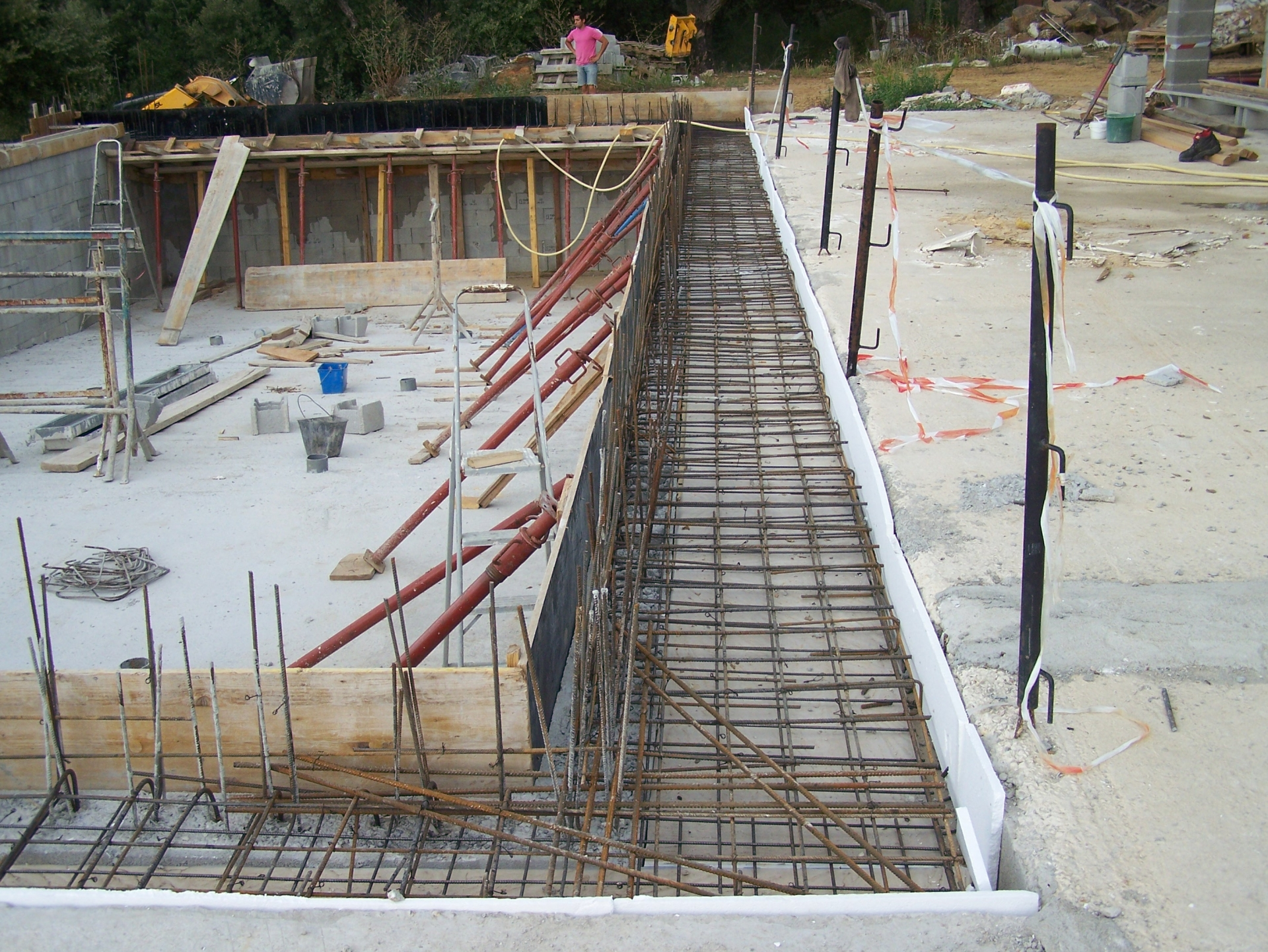 D coration piscine miroir construction 98 calais for Piscine construction prix