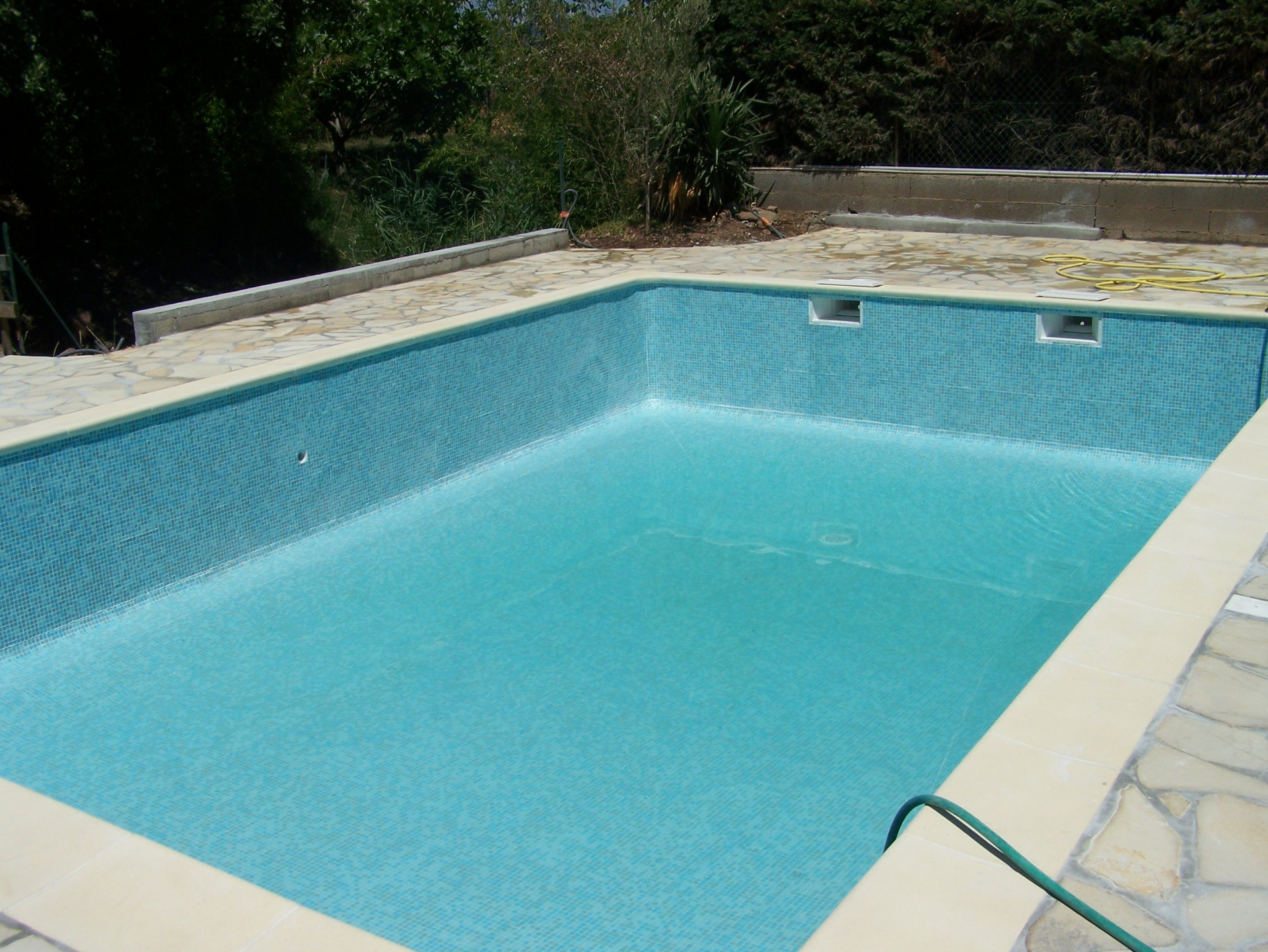 R alisations celentano maconnerie piscine traditionelle for Piscine var