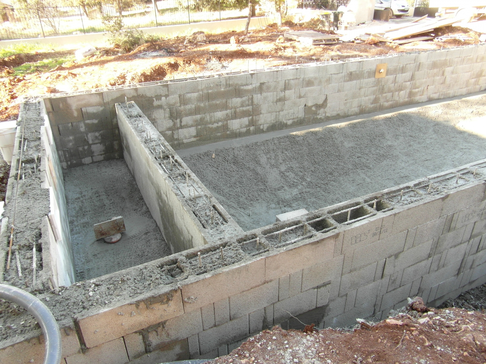 Plan piscine beton excellent with plan piscine beton for Ceinture beton piscine